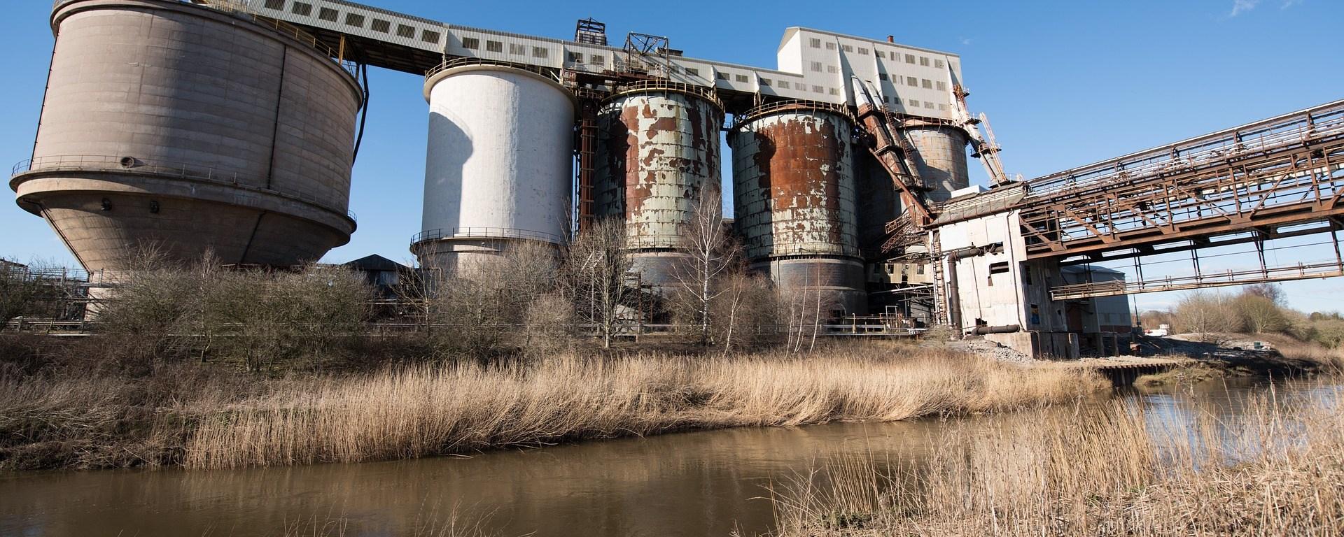 Estações de tratamento de água na indústria química: para que servem?
